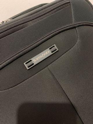 🚚 Samsonite Cabin Size luggage