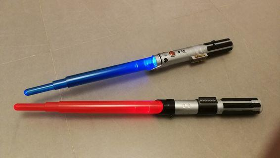 新淨Star Wars 星球大戰 正版有聲有光伸縮光劍2支