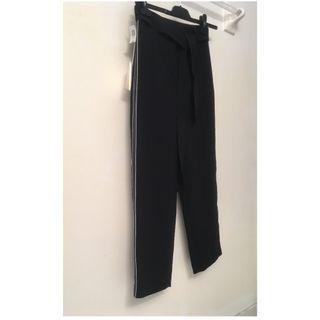 Aritzia Wilfred pant - never worn with tags - size 2