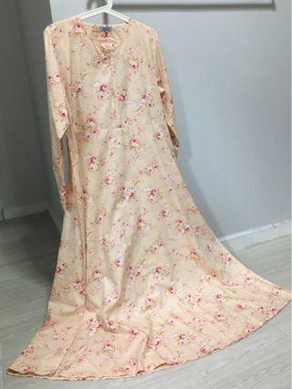 🚚 Long dress - floral in light peach