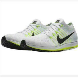 Authentic Nike Zoom Flyknit Streak