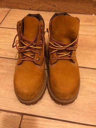 Timberland兒童boots