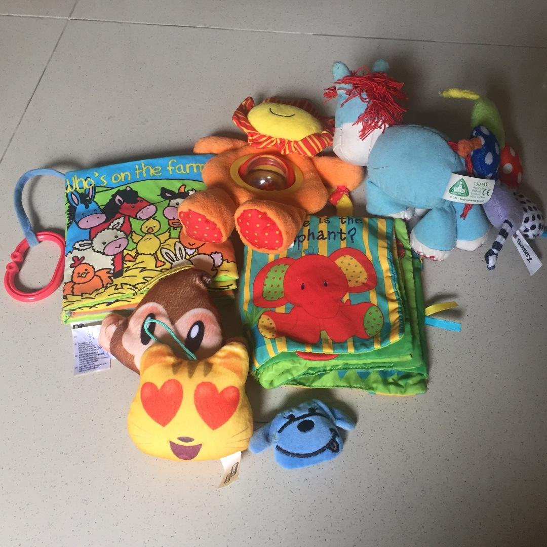 Bundling: mothercare soft book, elc 1st year toys