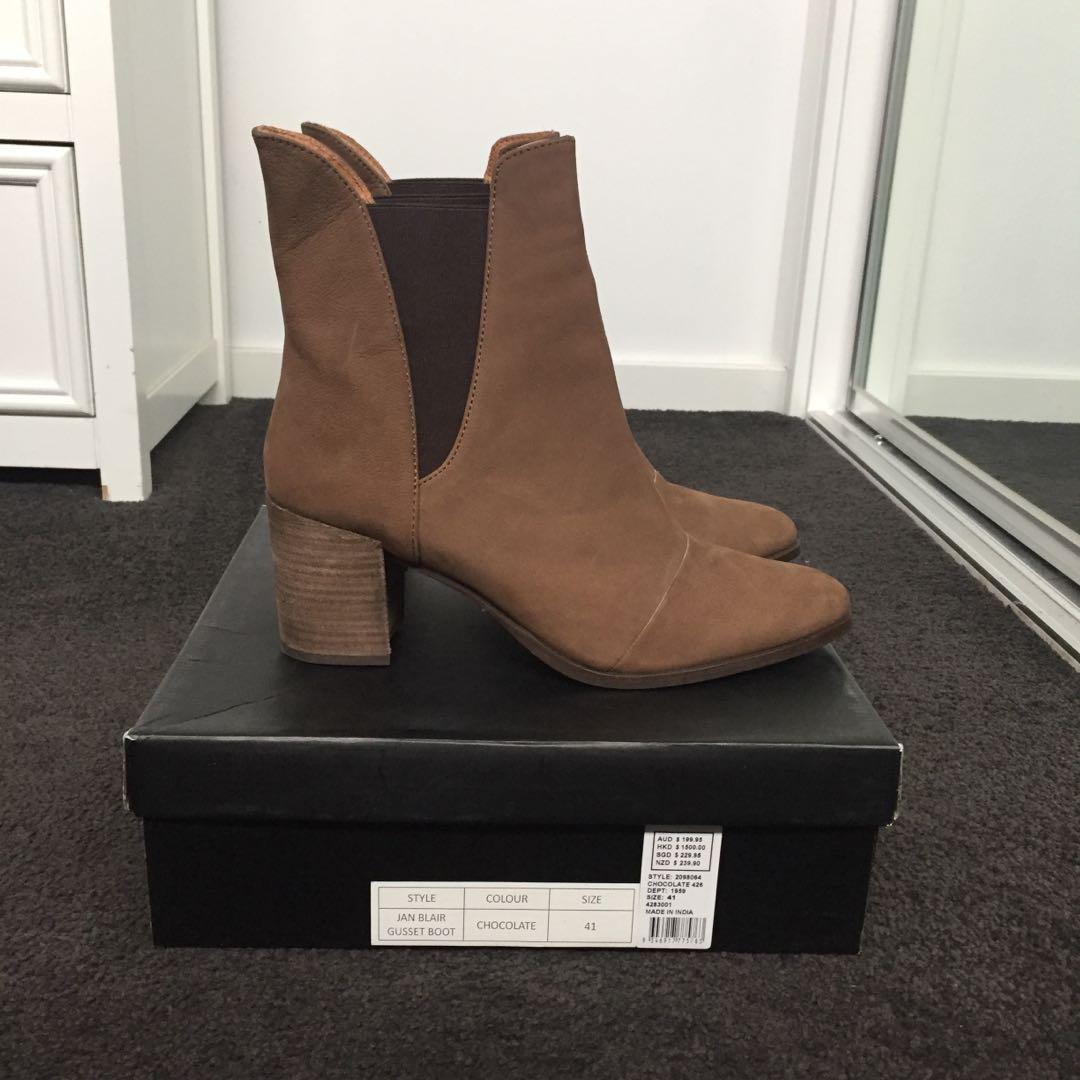 NWOT Seed Heritage Brown/ Chocolate Boots Size 41 (10)