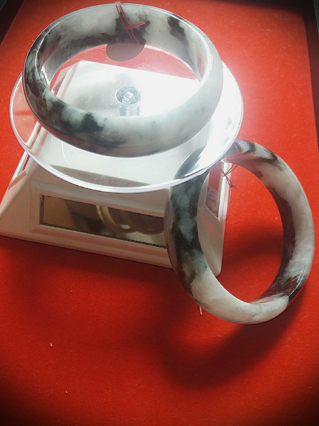 Sales! Geniune Cooling Jadeite 2 Same Quality bangles.  Come with Velvet Box for Yourself or as Gift to Loves Ones!