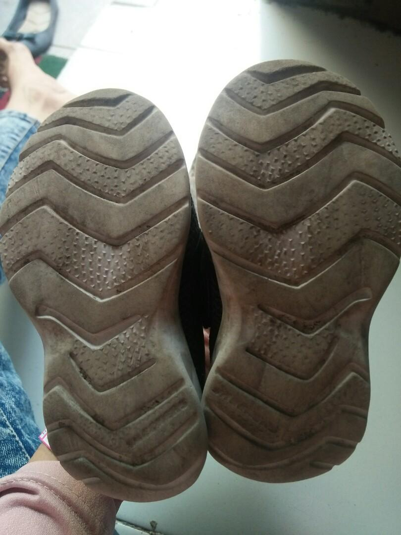 Sepatu anak Skechers