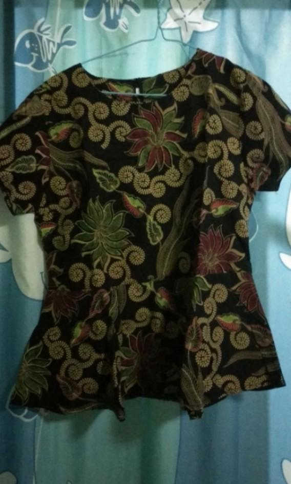 Top Batik Hitam