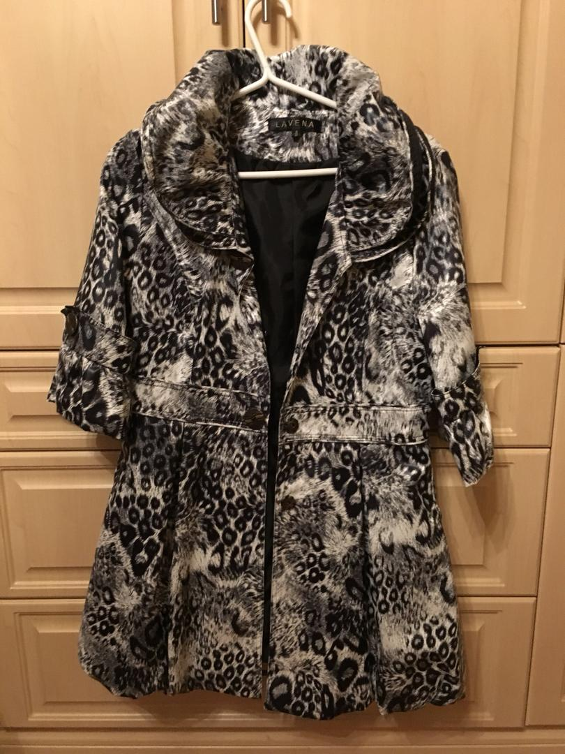 Woman's half sleeve cheetah print jacket size small/medium