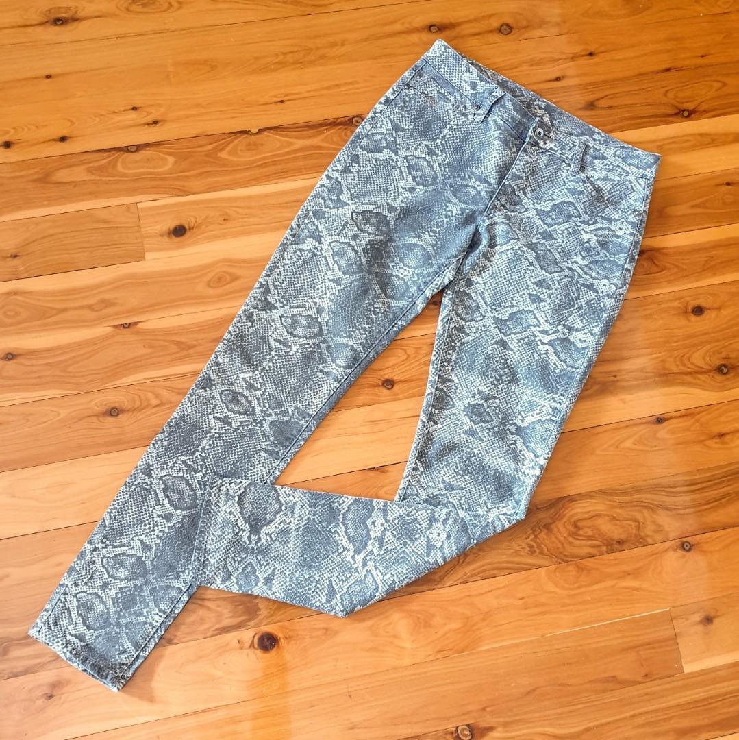 Women's size 12 'WITCHERY' Stunning snake print denim pants - AS NEW