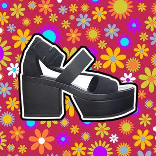 Vagabond - Chunky Black Platform Heels