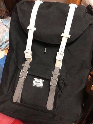 Herschel Little America. backpack 25L
