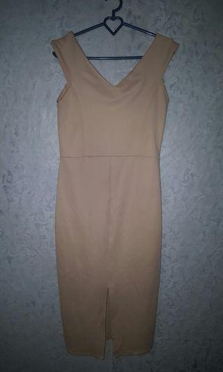 #mauthr nude bodycon dress