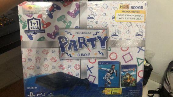 PS 4 SLIM PARTY BUNDLE NEW!!