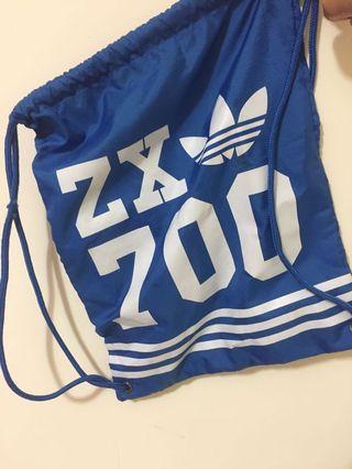 🚚 Adidas originals 藍色束口袋 包包