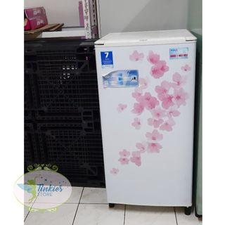 ST-021 Kulkas Putih Kecil Bunga