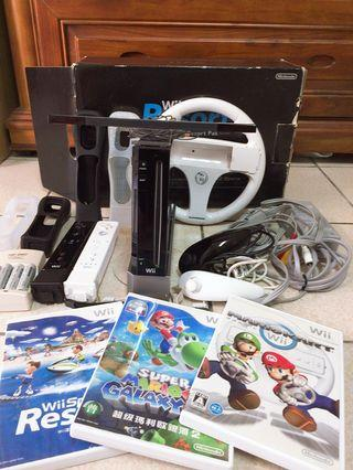 Wii主機+3片遊戲片+周邊配備