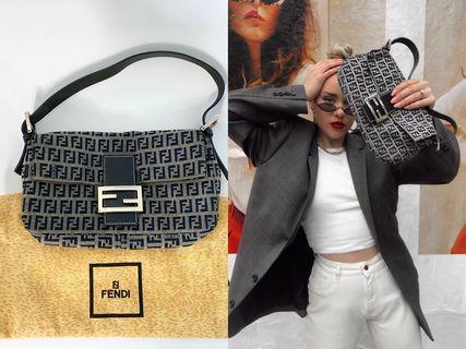 💯真品Auth Fendi gray zucca FF logo baguette handbag 網紅大熱超人氣經典灰色布面手袋法棍包