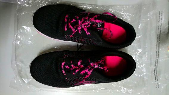 Sketchers shoe preloved