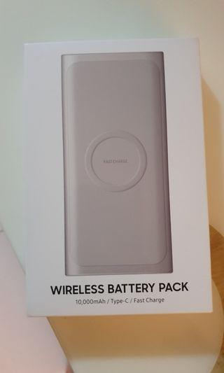 BNIB Samsung Wireless Battery Pack Fast Charge
