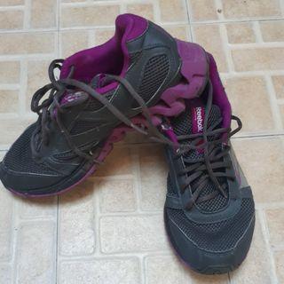 #mauthr Sepatu Reebok