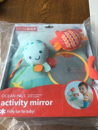 Skip Hop Ocean Pals activity mirror - fishy fun for baby (Octopus Rattles, Crab Chimes and baby mirror)