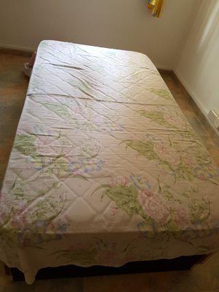 🚚 Super-singled bed