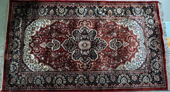 Persian Carpet 3' x 5'