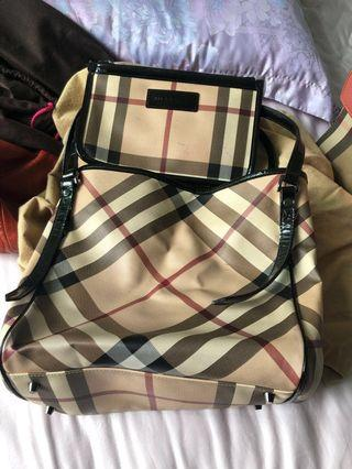 Burberry Tote bag come with clutch