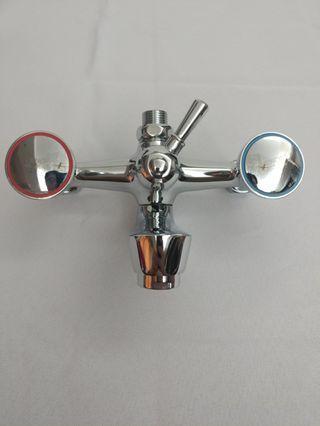 廁所浴缸混合雙輪冷熱水龍頭(老款三聯)