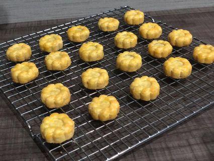 🚚 Salted egg Pineapple Tart