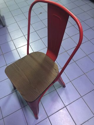 Steel chair with wood sitter (90% new)