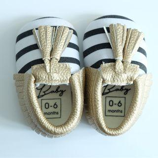 NO BRAND BABY PREWALKER SHOES