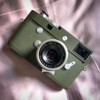 Leica Summaron 35mm f2.8 w hood