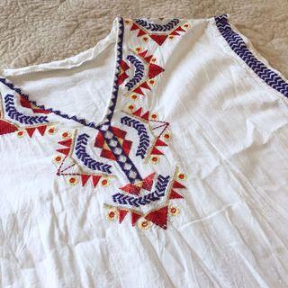 🚚 歐美風波西米亞幾何短袖刺繡純白棉麻度假長版上衣/小洋裝