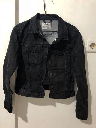 [PULL&BEAR] black denim jacket