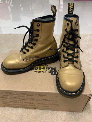 Dr. Martens AirWair Boots UK 3 with box