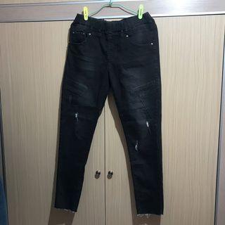 🚚 鐵灰兩側刷破牛仔褲