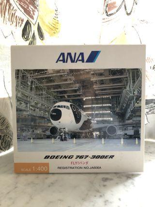 (多圖) 靚全新無瑕無疹 1:400 ANA Official Fly Panda B767-300ER 日本官方版全日空第二代飛行熊貓花機 飛機模型