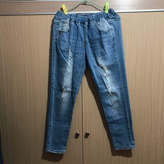 🚚 淺藍牛仔褲