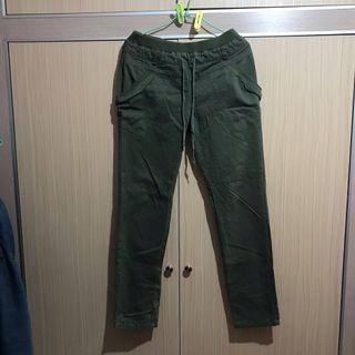 🚚 軍綠色長褲