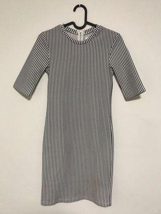 Mididress Bodycon Dress