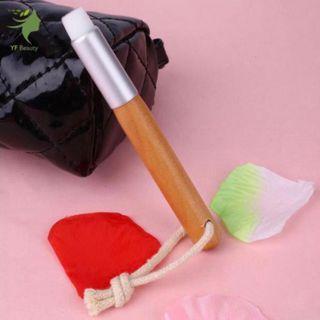 🚚 Pore Cleansing Brush