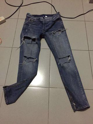 HnM Ripped Jeans Hype like Mnml FoG fear of god