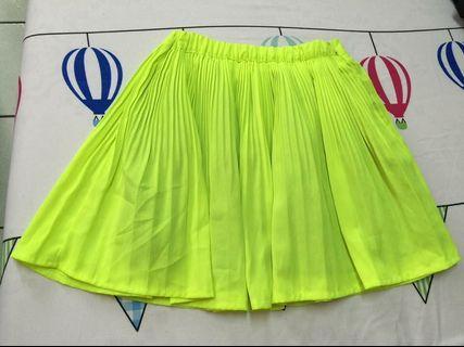 🚚 螢光黃百摺短裙