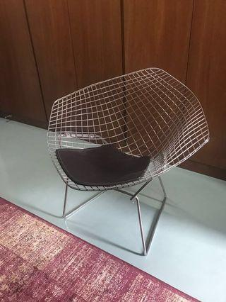 Contemporary industrial wire lounge chair