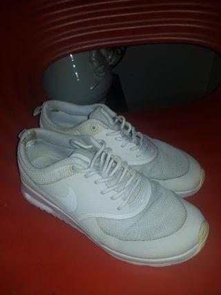 Nike Air Thea White Authentic. Original design.