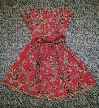 #mauthr Dress Batik Merah Anak Perempuan