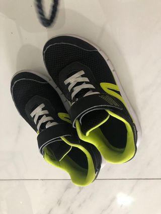🚚 Sports Shoes (Buy)
