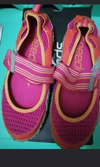 Speedo aqua shoes