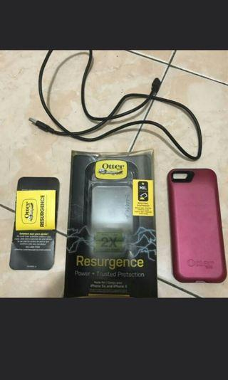 REPRICED OtterBox Resurgence case, charger Iphone 5,5s, se